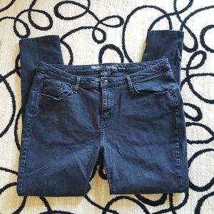 Mossimo Power Stretch Curvy Skinny Jean Size 18